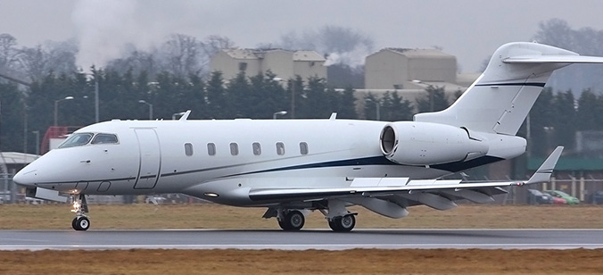 Bombardier Challenger 300 Axon Aviation